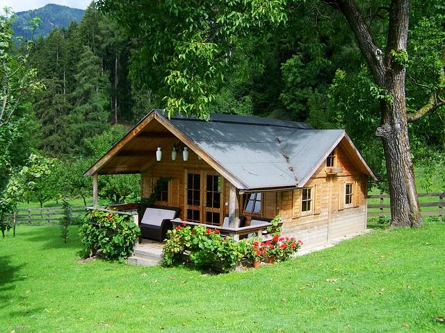 Malý dřevěný domek